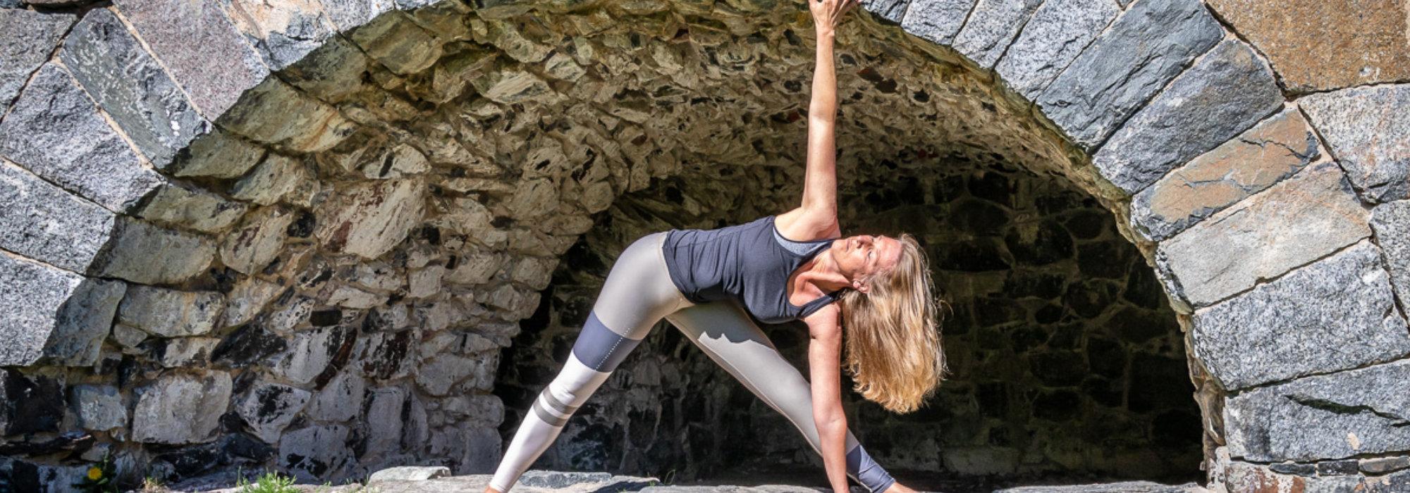 yoga-06.jpg